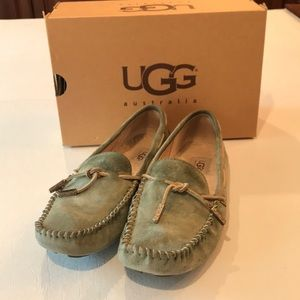 Ugg Tie Bow wasabi suede moccasin size 8